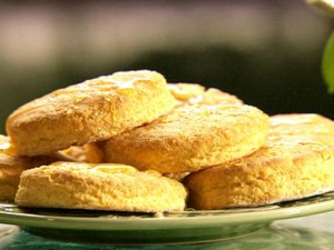 pa0710_Sweet_Potato_Biscuits_2.jpg.rend.sni18col